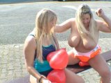 Amateurvideo Swimsuit and Balloons von SusiNRW