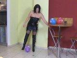 Amateurvideo Ballon-Crushing from MistressCoco