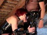 Amateurvideo Blasen und abspritzen auf altem Dachboden from DDPaar0103