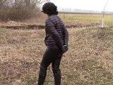 Amateurvideo In glänzenden schwarzen Jacke Handcuffed from bondageangel