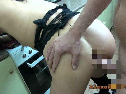 Amateurvideo Stief-Daddy reisst mir den Arsch auf! von Alexandra_Wett