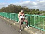 Amateurvideo In Lackcorsage, Public und Outdoor, abgepisst! von RosellaExtrem