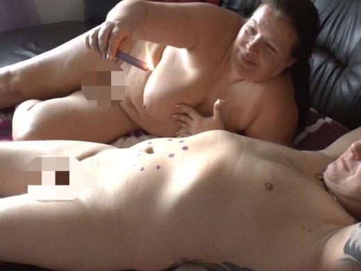 Amateurvideo User Wachs auf den Bauch getropft von crazy1963