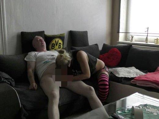 Amateurvideo Hausmeister beim Wixen ertappt von jungesgemuese18