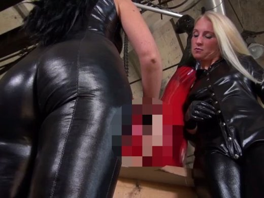 Amateurvideo Fisting Akademie - Latex Doll Cumplay von LadyKacyKisha