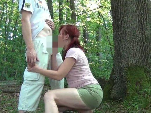 Amateurvideo Abwechselnd in die Löcher stoßen !!! from eroticnude