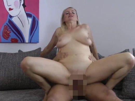 """Amateurvideo Die """"SEX-LÜGE"""" – Benutzt zum ficken von DirtyTina"""