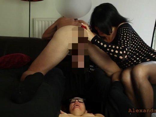 Amateurvideo Mega-Sperma-Bombe direkt in das Maul meiner Stief-Schwester von Alexandra_Wett
