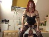 Amateurvideo Heiße Newcomerin, SylviaMilf, pisst mir ins Mäulchen! von RosellaExtrem