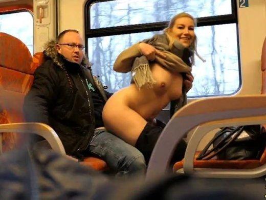 Zum ersten Mal im Zug gefickt