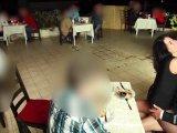 Amateurvideo Public Schlampe fickt alle Schwänze an jedem Ort von Alexandra_Wett