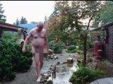 Amateurvideo Nackt im Regen ** Nudist Outdoor ** von nylonjunge
