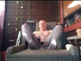 Amateurvideo Entspannung in Nylon  bei einem Zigarillo 2 ** Outdoor ** from nylonjunge
