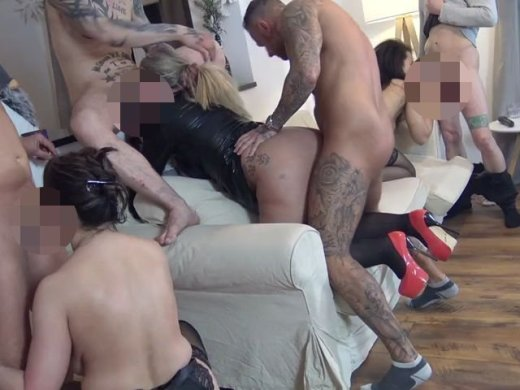 Amateurvideo Eine Party, die in einer versauten Sex-Orgie endete! Teil 3 von RosellaExtrem