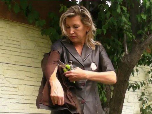 Ledermantel und Lederrock  Zerschneiden  Zerreissen  Verb