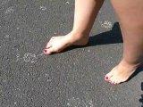 Amateurvideo Footwalk in Public-Spaziergang mit meinen schmutzigen Füßc from DaddysLuder